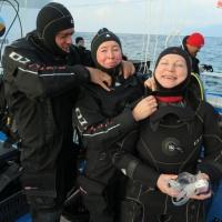 Дайвинг-тур дайв-центра  RuDIVE на озеро Байкал. Участники дайв-сафари готовятся г погружению