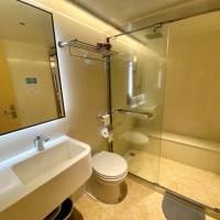 Яхта Black Pearl, дайвинг-сафари на Палау, ванная комната в каюте на нижней палубе