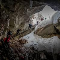 """В карстовой пещере """"Голубинский провал"""". Автор фото Илья Труханов. Тур RuDIVE"""
